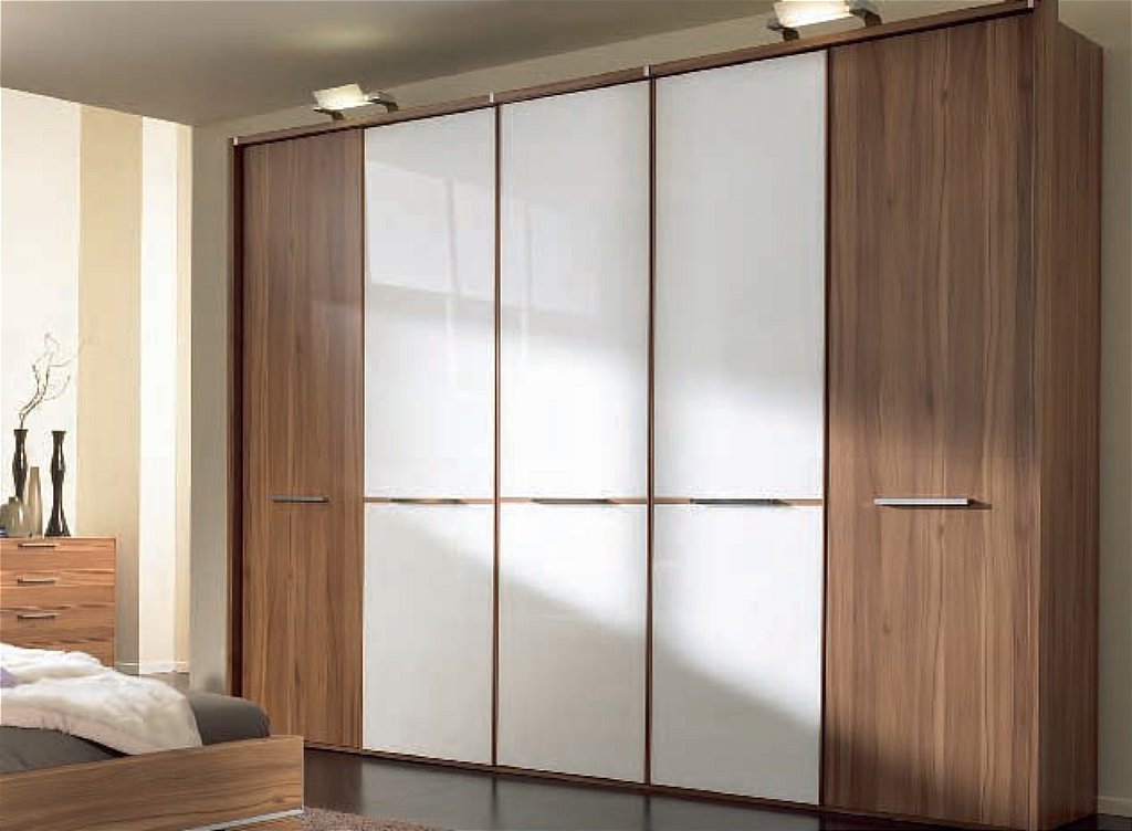 Nolte phoenix wardrobe in walnut white glass for Armoire nolte prix