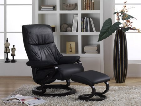 Clyde Zerostress Leather Recliner