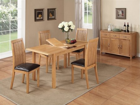 Hampshire City Oak 4ft Extending Dining Table and 4 Chairs