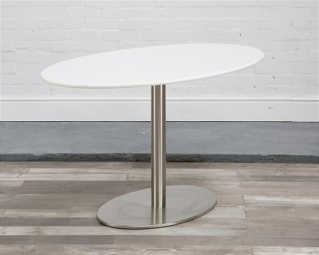 Helsinki Oval Table in Quartz