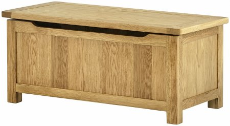 Hartford Oak Blanket Box