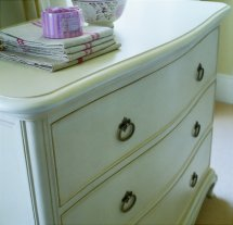 Willis and Gambier - Ivory Chest of Drawers