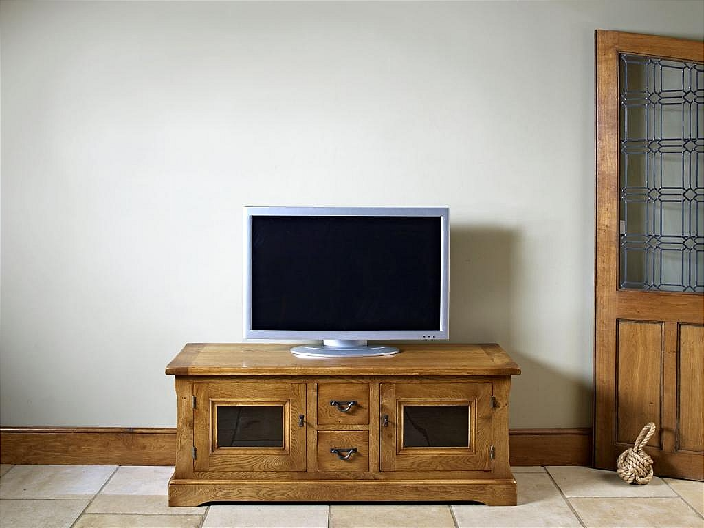 old charm chatsworth tv cabinet. Black Bedroom Furniture Sets. Home Design Ideas