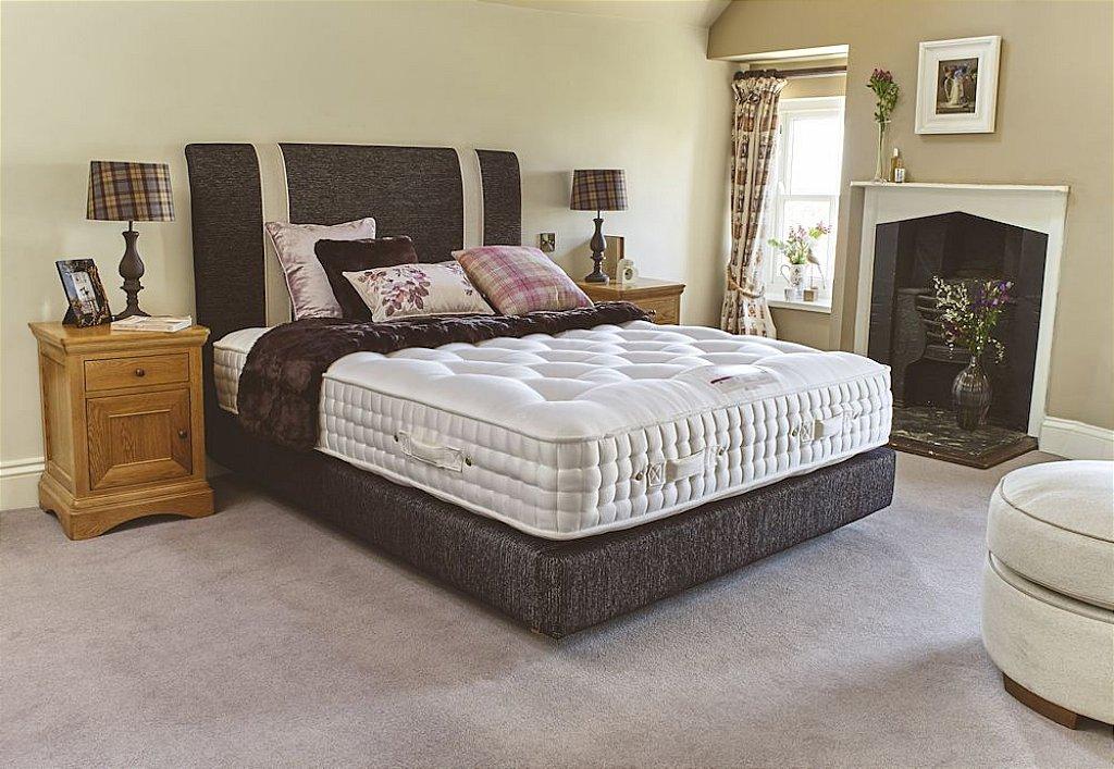 Harrison beds glamis 14800 divan bed for Velour divan beds