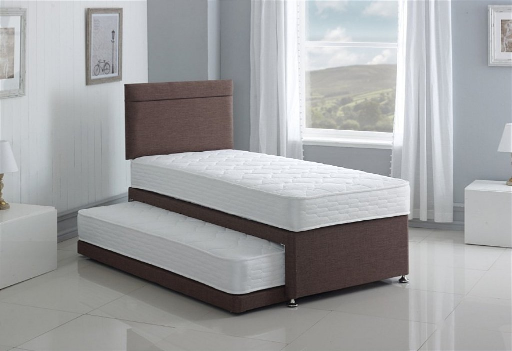 Picture of: Metal Folding Bed Guest Bed With Mattress And Headboard Weibo Folding Single Bed